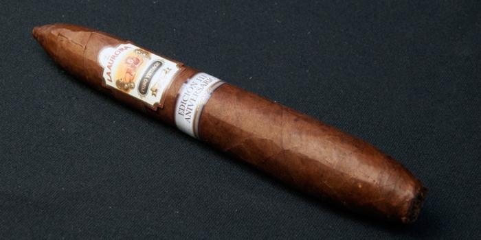 Puro-Vintage-2006-111-aniv-cigar