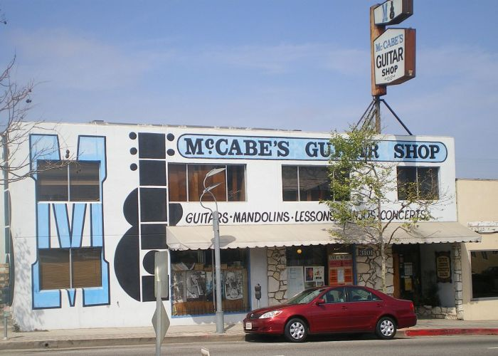 McCabe's_Guitar_Shop,_Santa_Monica